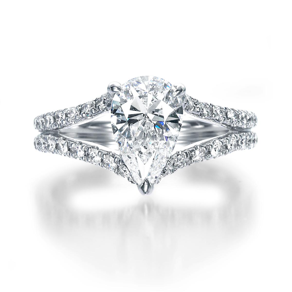 1 Carat Pear Shape Diamond Ring